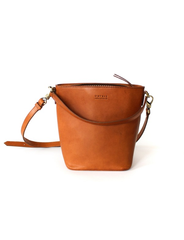 BOBBI BUCKET BAG - COGNAC