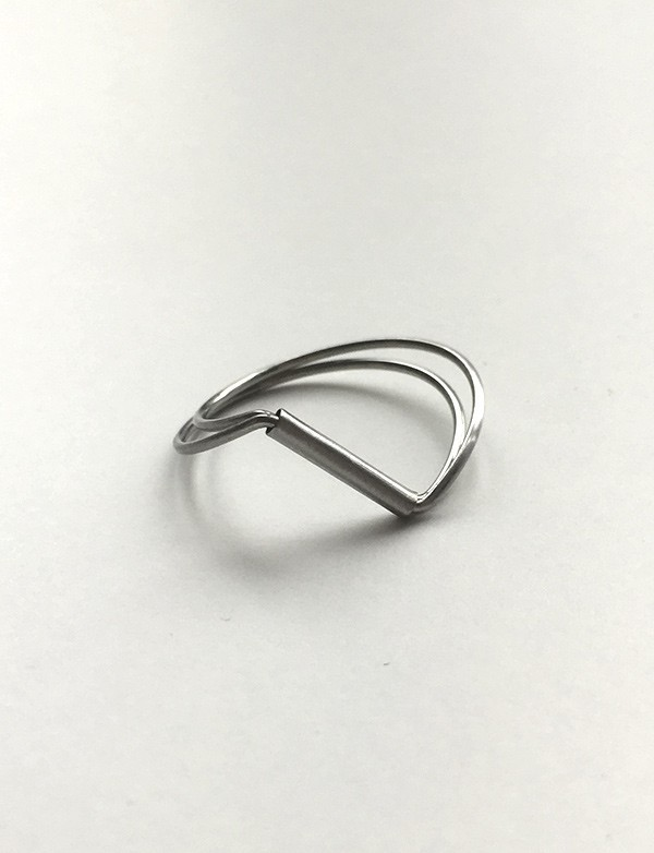 ARCH LINE RING