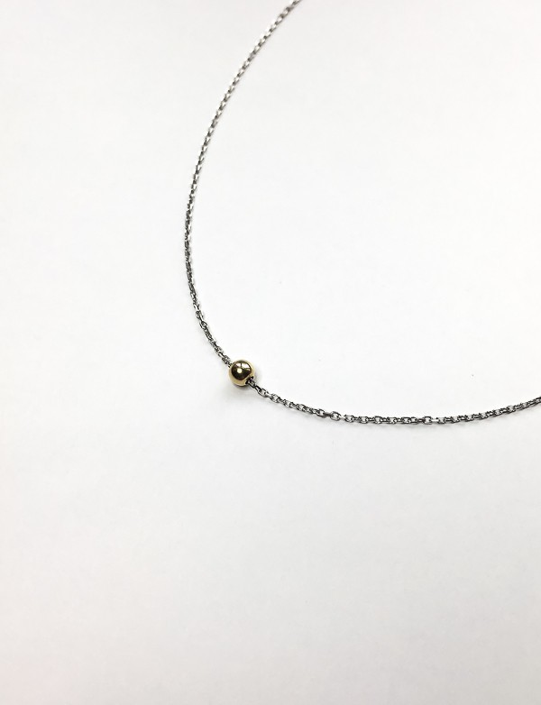 POINT LINE NECKLACE