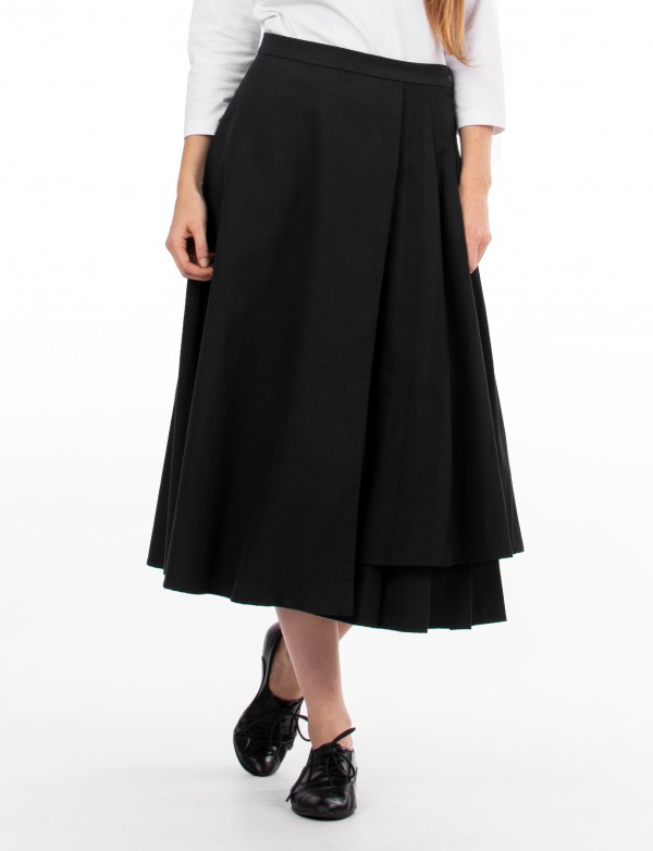 Široká černá sukně Track